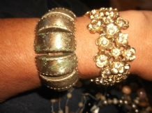 2 X VINTAGE BANGLES 1 GOLD TONE SPARKLE DAISY FLOWERS 1 X SILVER TONE BAR LINKS